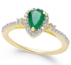 14K Yellow Gold Pear Emerald and 1/4 CT. T.W. Diamond Ring
