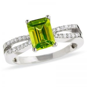 10K White Gold Peridot and 1/6 CT. T.W. Diamond Ring